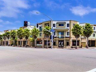 Pacific Blue Four - Corner Condominium Home with ocean view! - Pacific Beach vacation rentals