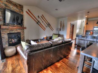 Sunset Mountain Views - High End NEW Home - Great Location & Amenities - Park City vacation rentals