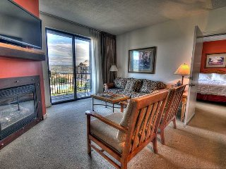 Perfect for a GetAway! 3 HotTubs, Mountain Views! Across from - Park City vacation rentals