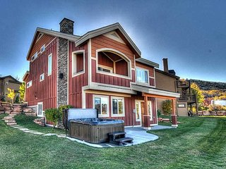 Stand Alone Home- All NEW Furnishings - Private Hot Tub -Views! (BHV5530) - Park City vacation rentals
