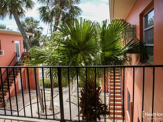 Lido Gardens 2B | Location, Location, Location - walk to everything! - Saint Pete Beach vacation rentals