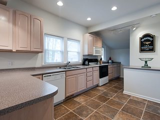 124 Clinton - Happy Ours - South Haven vacation rentals