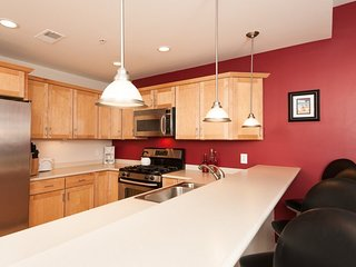 WaterTowne #01. Weekly only. River View - South Haven vacation rentals