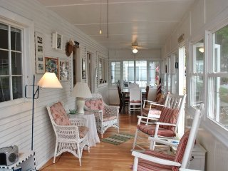 The Martin - Cozy Cottage for The Family Vacation - South Haven vacation rentals
