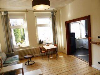 """Altbau-Apartment """"De Chaadebloom"""" in der Mülheimer Altstadt - Mulheim an der Ruhr vacation rentals"""