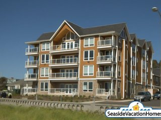 900 N Prom Unit 202 Two Story Townhouse Ocean Front on the Prom - Seaside vacation rentals