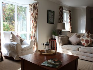 NEW FOR 2017!! Immaculate Apartment 5mins from City Centre - Belfast vacation rentals