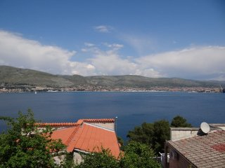 Nice Condo with Internet Access and A/C - Okrug Donji vacation rentals