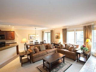 Luxurious 3 Bedroom Resort Home at Topnotch Perfect for a Summer Seasonal - Stowe vacation rentals