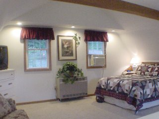 Trickling Waters Retreat - The Evening Veranda - Marquette vacation rentals