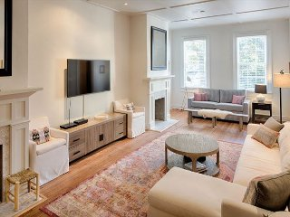 Elegantly appointed home in Savannah's Historic District - Savannah vacation rentals