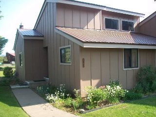 Pines 4052 is a pet-friendly vacation condo located in the heart of the Pagosa - Pagosa Springs vacation rentals