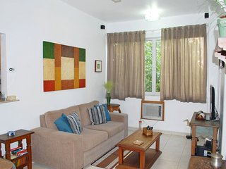 Nice 2 Bedroom Apartment in Copacabana Posto 6 area close to Ipanema Beaches - Rio de Janeiro vacation rentals
