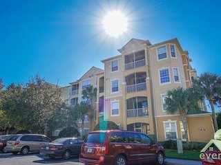 Live It up - Stylish 3 bedroom condo right next to the pool and clubhouse in Windsor Hills Resort! - Kissimmee vacation rentals