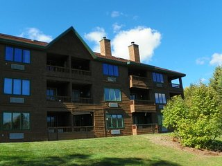 3 Bedroom Deer Park Condo on Lake and close to Recreation Center - North Woodstock vacation rentals
