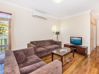 Perfect 2 bedroom Villa in Randwick - Randwick vacation rentals
