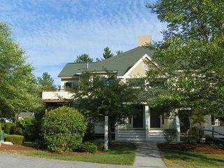 Beautiful 3 Bedroom Condo in Waterville Valley Sleeps 10! - Waterville Valley vacation rentals