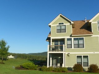 Great Golf Resort Condo close to club house. Amazing Views! - Campton vacation rentals