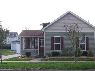 Charming 3 bedroom House in South Haven - South Haven vacation rentals