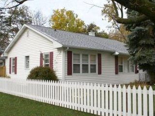 Beautiful House with A/C and Washing Machine - South Haven vacation rentals
