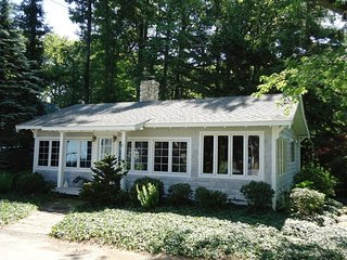 Lovely House with Deck and A/C - South Haven vacation rentals