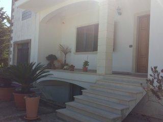 Cozy 2 bedroom Poggiardo Condo with Internet Access - Poggiardo vacation rentals