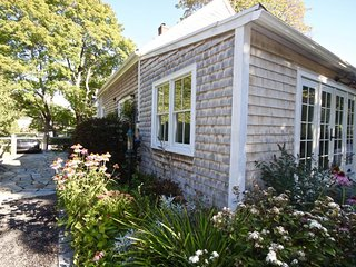 Charming in town cottage, walk to restaurants, museums, galleries - Rockland vacation rentals