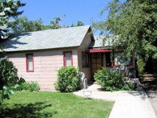 Charming 2 bedroom House in Cody with Internet Access - Cody vacation rentals