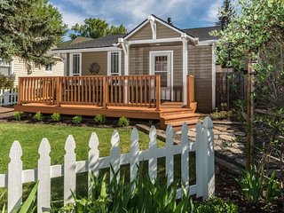 Heart of Bend. Great NW Location! Walk to Downtown, 10 Barrel and the River - Bend vacation rentals