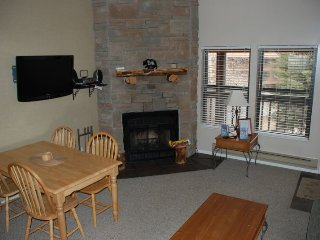 Vacation Condo with Views of Snowbasin and Pineview Lake at Wolf Creek Utah - Eden vacation rentals