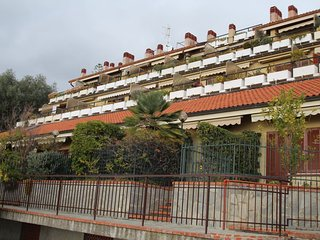 Nice Condo with Shared Outdoor Pool and Television - Ospedaletti vacation rentals