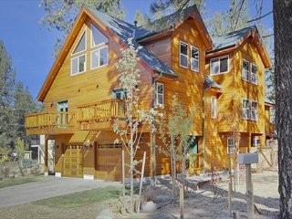 1175WA-Deluxe Tahoe Property close to Gondola and Casinos - South Lake Tahoe vacation rentals