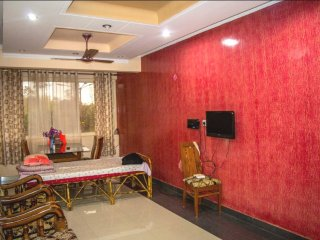 Luxury 2BHK/BR Suite by trip2goa - Pololem vacation rentals
