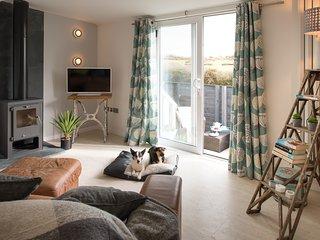 1 bedroom Condo with Deck in Llanfaelog - Llanfaelog vacation rentals