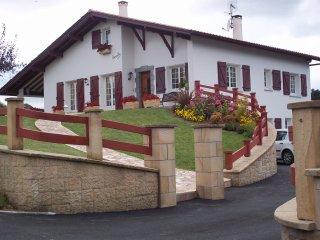 location 2 pers proche mer et montagne - Hasparren vacation rentals