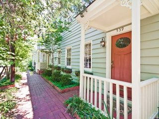 Taylor Street B - Iola vacation rentals