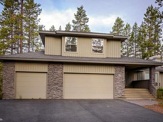 Casual Elegance in the North end of Sunriver Oregon - Sunriver vacation rentals
