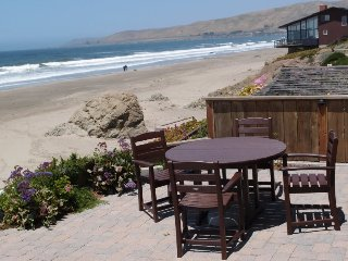 Fabulous Cayucos Oceanfront Home! Just Steps to the Beach! Furnished and Equipped for your Perfect Vacation! - Cayucos vacation rentals