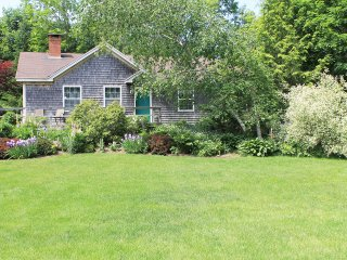 """Camden's Original """"Garden Cottage"""" - Camden vacation rentals"""