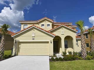 Sleep 18 in this 6 bedroom Aviana Resort vacation home with private pool - Davenport vacation rentals