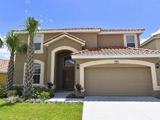The perfect vacation home for a large group! Sleep 12 in this beautiful Aviana - Davenport vacation rentals
