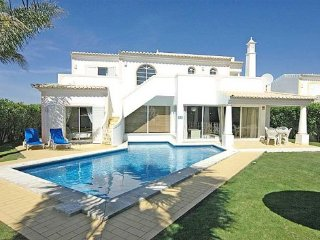 3 bedroom Villa in Vale De Parra, Albufeira, Central Algarve, Portugal : ref - Patroves vacation rentals