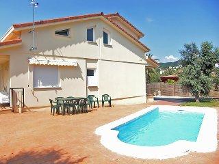 4 bedroom Villa in Calonge, Costa Brava, Spain : ref 2010448 - Calonge vacation rentals