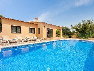 3 bedroom Villa in Calonge, Costa Brava, Spain : ref 2010450 - Calonge vacation rentals