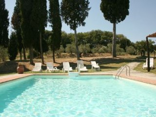 5 bedroom Villa in Cortona, Tuscany, Italy : ref 2020484 - Lucignano vacation rentals