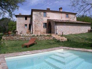 3 bedroom Villa in Siena, Tuscany, Italy : ref 2022328 - Tognazza vacation rentals