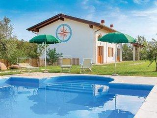 3 bedroom Villa in Caprino Veronese, Northern Lakes, Lake Garda, Italy : ref - Caprino Veronese vacation rentals