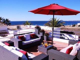 Villa Ventos do Mar 2 - 3 bedroom villa with amazing sea views, only 50m to the - Guia vacation rentals