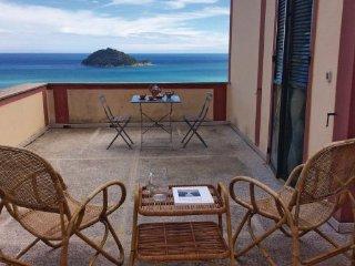 5 bedroom Villa in Albenga, Liguria, Italy : ref 2040544 - Albenga vacation rentals