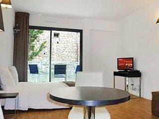 1 bedroom Villa in Beausoleil, Cote D Azur, Alps, France : ref 2041380 - Monte-Carlo vacation rentals
